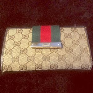 Beautiful pre-loved Gucci Wallet